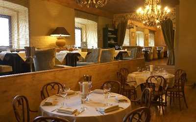 Банкетный зал ресторана Чин Чин (Chin Chin Cafe) на Мытнинской набережной