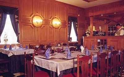 Банкетный зал ресторана Алекс Хаус (Alex House) на Санкт-Петербургском проспекте
