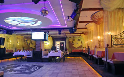Банкетный зал ресторана Белая Лошадь на проспекте Славы фото 3