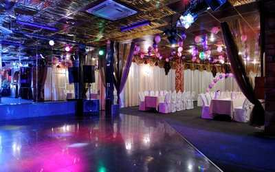 Банкетный зал бара, ночного клуба, ресторана Вираж на проспекте Науки