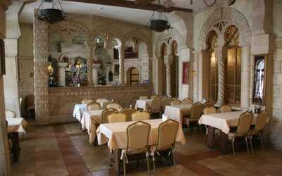 Банкетный зал ресторана Горный Орел в Александровском парке фото 1