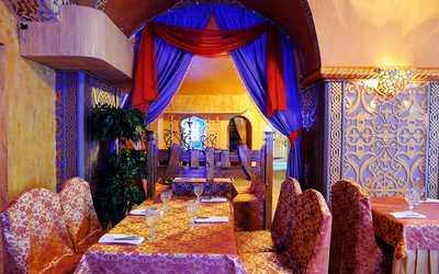 Банкетный зал ресторана Мархаба (Marhaba) на набережной реки Фонтанки