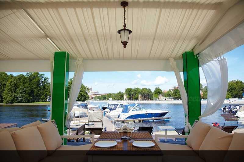 Меню ночного клуба, ресторана ЗимаЛето (ZимаЛeto) на набережной реки Большой Невки