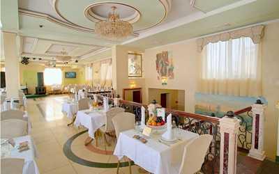 Банкетный зал ресторана Невская жемчужина на проспекте Обуховской Обороны фото 1