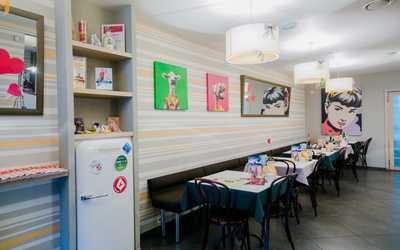Банкетный зал ресторана Квартира 147 на проспекте Авиаконструкторов