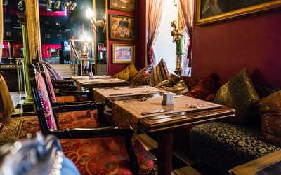 Банкетный зал ресторана Русский китч на Университетской набережной