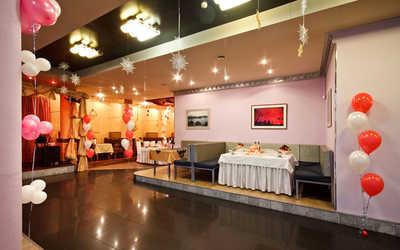 Банкетный зал бара, кафе У Нарвских ворот на проспекте Стачек