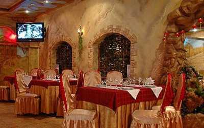 Банкетный зал ресторана Долина на бульваре Красных Зорь фото 2