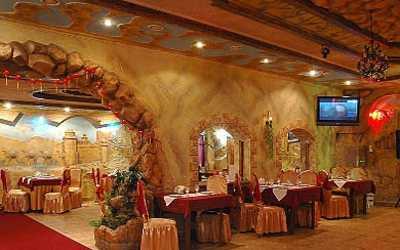 Банкетный зал ресторана Долина на бульваре Красных Зорь фото 1