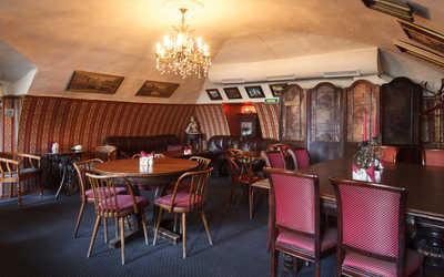 Банкетный зал ресторана Идиотъ на набережной реки Мойки фото 1