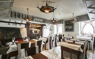 Банкетный зал ресторана Кавказ Бар на Караванной улице фото 1