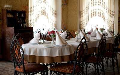 Банкетный зал ресторана Караван на набережной реки Фонтанки