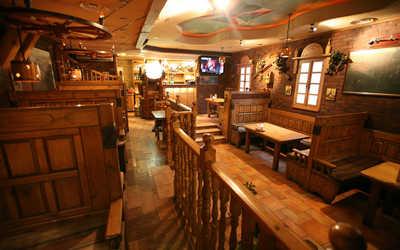 Банкетный зал кафе Бородино на Лермонтовском проспекте