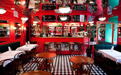 Банкетный зал бара, кафе Жан-Жак Руссо на Невском проспекте