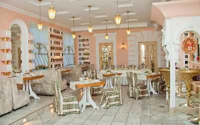 Банкетный зал ресторана Остров в набережной Лейтенанте Шмидта