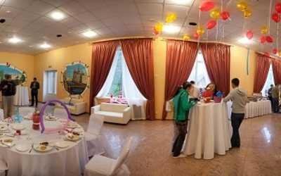 Банкетный зал ресторана Коломяжские сады на Чистяковской улице