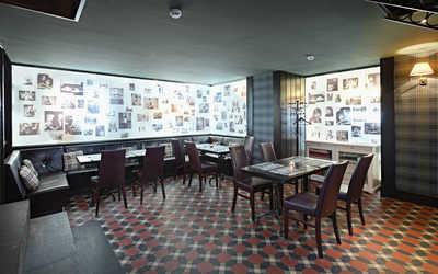 Банкетный зал ресторана Bullhouse (Буллхаус) на улице Савушкина