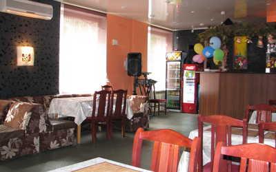 Банкетный зал бара, кафе Хванчкара на Большом Сампсониевском проспекте