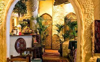 Банкетный зал ресторана Белое солнце пустыни на Неглинной улице