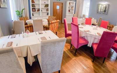 Банкетный зал ресторана Ромашка (Romashka) на Верхней Красносельской улице