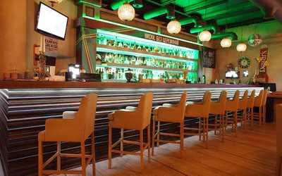 Банкетный зал бара, паба Jimmy's Pub (Джиммис Паб) на Дербеневской набережной