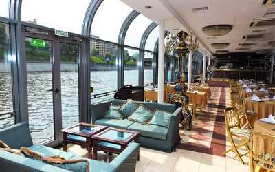 Банкетный зал ресторана River Palace (Ривер пэлас) на площади Европы