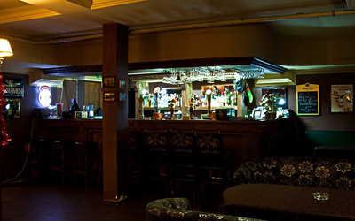 Банкетный зал бара, ночного клуба, паба Доктор Скотч (Doctor Scotch) на улице Введенского