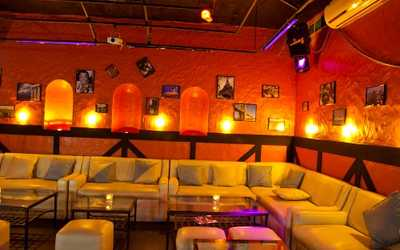 Банкетный зал караоке клуба, ресторана Crazy Milk (Крейзи Милк) на улице Большой Полянка фото 3