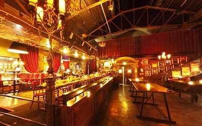 Банкетный зал бара, ночного клуба Ви Ай Пи Бар (Vi Ai Pi bar) на Саввинской набережной