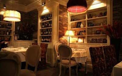 Банкетный зал ресторана БоЭми на Рочдельской улице