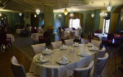 Банкетный зал бара, ресторана Ананас на улице Генерала Белобородова