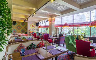 Банкетный зал ресторана Чайхана Павлин-Мавлин на Строителей фото 1