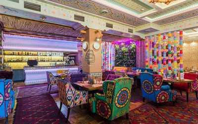 Банкетный зал ресторана Чайхана Павлин Мавлин на улице Академика Королева фото 1