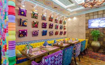 Банкетный зал ресторана Чайхана Павлин Мавлин на улице Академика Королева фото 3