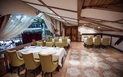 Банкетный зал ресторана Бакинский бульвар на улице Неверовского фото 2
