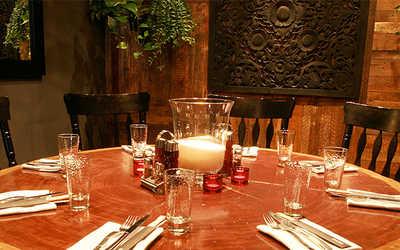 Банкетный зал бара, ресторана Рони (Roni) на улице Петровка