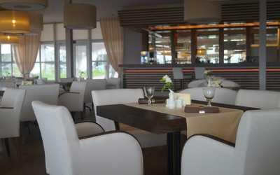 Банкетный зал ночного клуба, ресторана МЁD (Мёд) на Южной улице