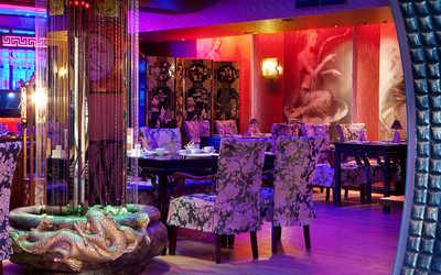 Банкетный зал караоке клуба, ресторана Тан в Оружейном переулке