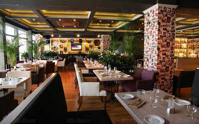 Банкетный зал ресторана Черетто (Ceretto Cafe) на Цветном бульваре