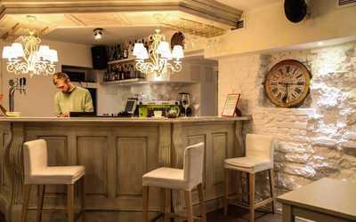 Банкетный зал кафе Клевер клуб на Кирочной улице