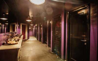 Банкетный зал бара, ночного клуба Чапаев (Chapaev Bar) на 2-й Звенигородской улице