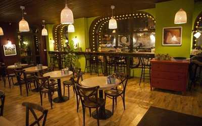 Банкетный зал кафе Any Pasta на Большой Пушкарской улице фото 1