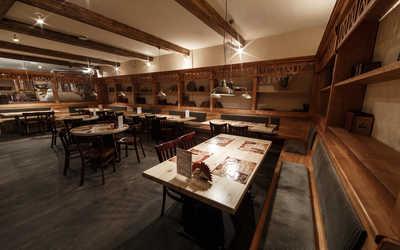 Банкетный зал пивного ресторана Max Beer House (Макс Бир Хаус) на Тепловозной улице фото 3