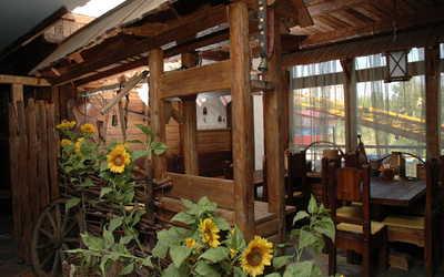 Банкетный зал пивного ресторана Зер Гут (Sehr Gut) на улице Ванеевой фото 1
