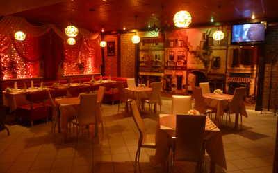 Банкетный зал бара, кафе Кураж на улице Красных Зорь