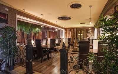 Банкетный зал ресторана Плакучая ива в Нижне-Волжской фото 3