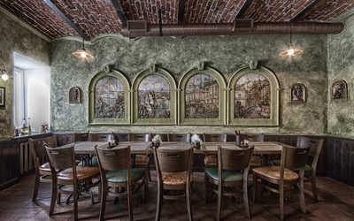 Банкетный зал пивного ресторана КабанчикЪ на Рождественской улице фото 2