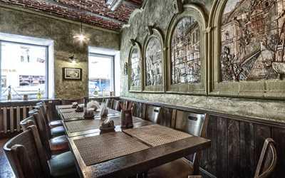 Банкетный зал пивного ресторана КабанчикЪ на Рождественской улице