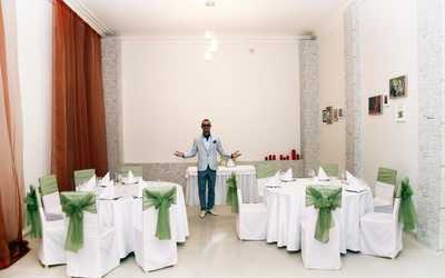 Банкетный зал ресторана Штиблетто (Shtibletto) на улице Бонч-Бруевича