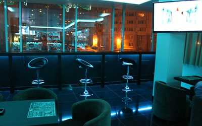 Банкетный зал бара, ресторана Generation П (Поколение П) на Туристской улице